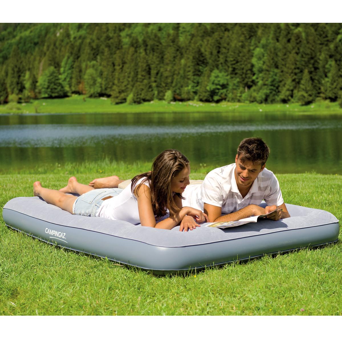 luftmatratze luftbett g stebett reisebett camping bett doppel luftmatratze 137cm ebay. Black Bedroom Furniture Sets. Home Design Ideas